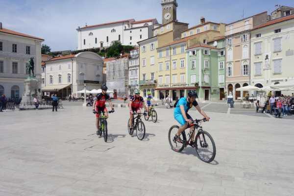 Ride around Slovenska obala s kolesom
