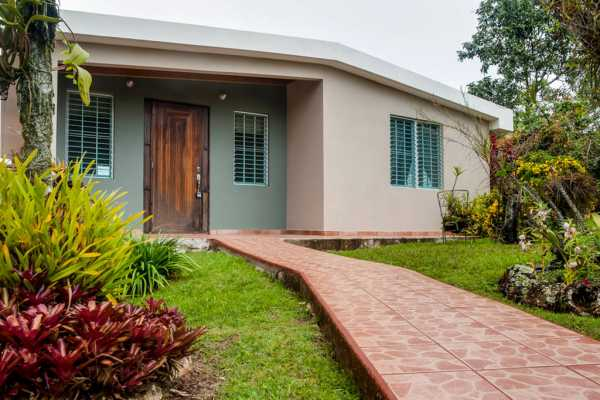 Casa Flor - Garden Home (sleeps 1-9)
