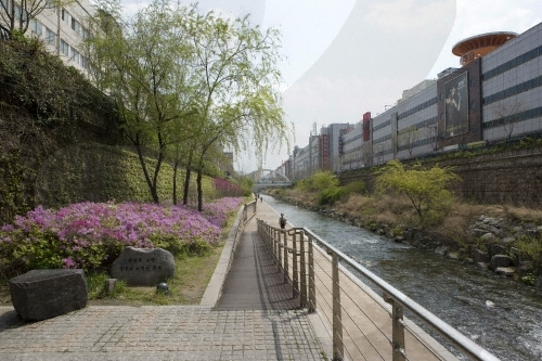 Cheonggyecheon Stream in the metropolitan city of Seoul