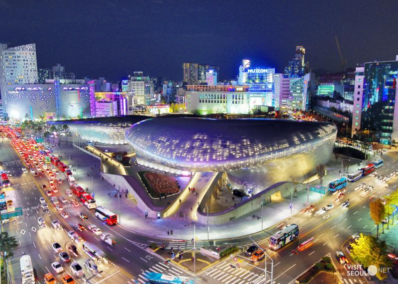 Dongdaemun Design Plaza (DDP) - a place to explore traditional buildings, relics, and cutting-edge modern multicultural facilities.