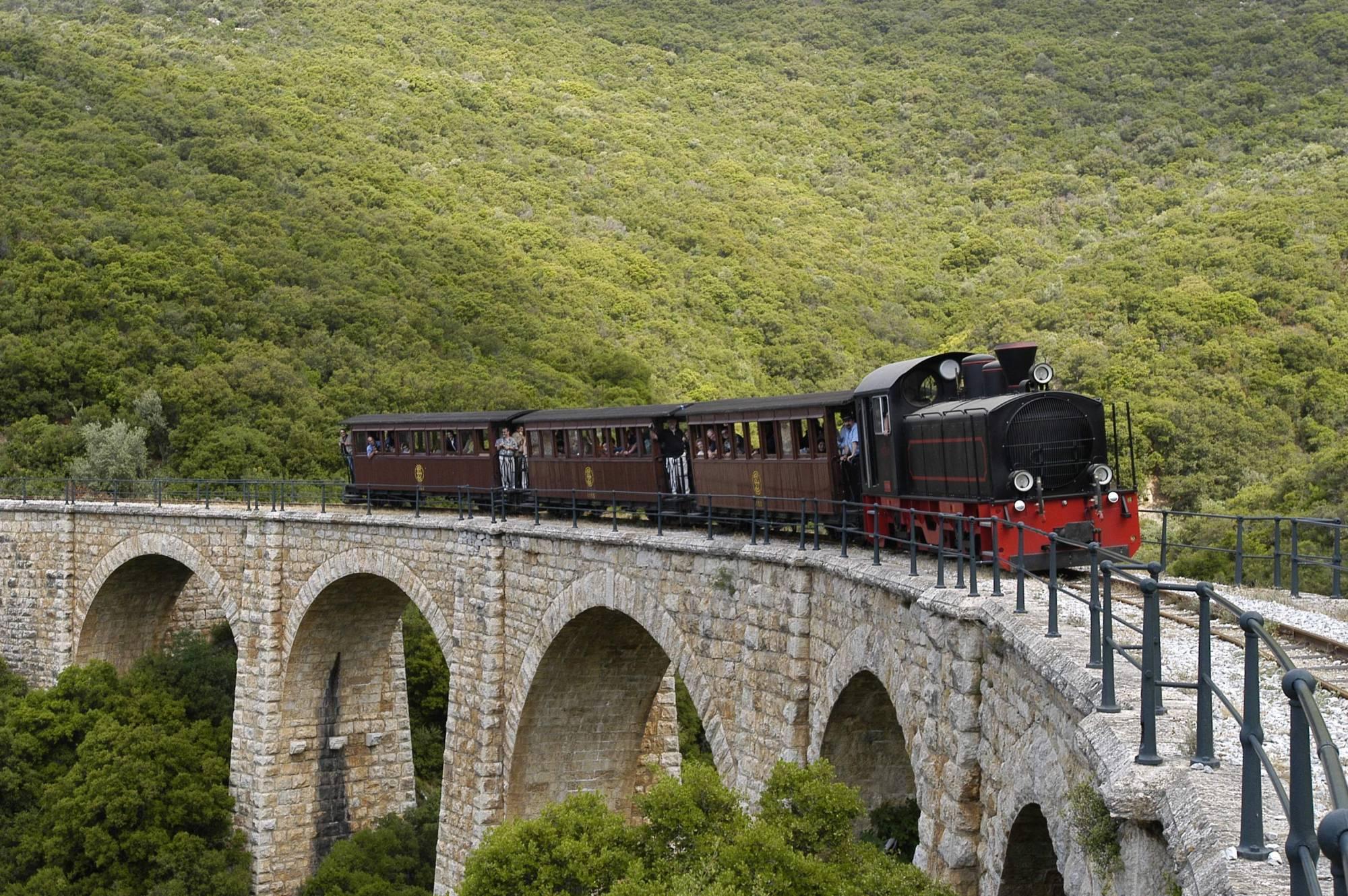 Pelion train to Milies
