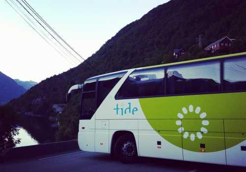 Du kan ta buss til Stana Gard, eller kjøre bil