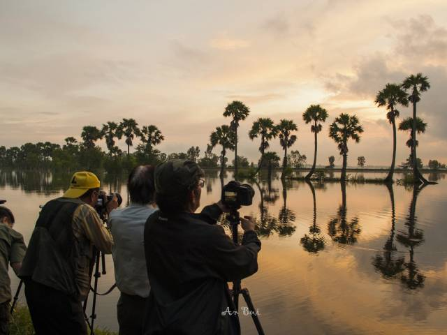 Viet Ventures Co., Ltd BEHIND THE SCENE OF MEKONG PHOTO TOUR