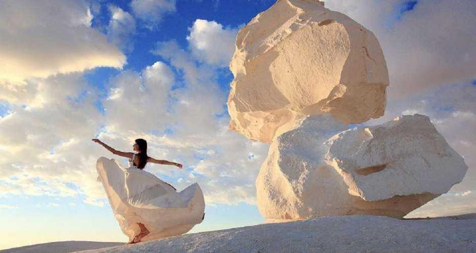 1-THE WHITE DESERT