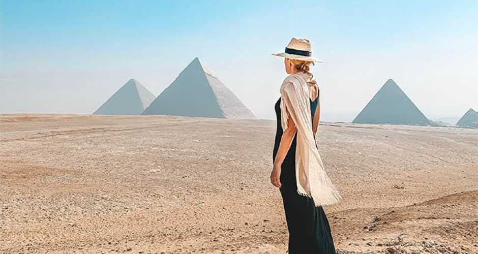 The <a href='../Egypt-Travel-Guide/Pyramids-of-Giza.php' > <span  class='abs_img' style='background-image: url(../images/Egypt_attraction_guide/attraction/Pyramids-of-Giza.jpg);' ></span> Pyramids of Giza </a>