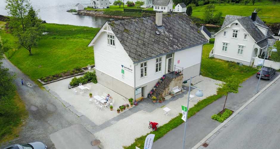 Juklafjord, tourist information in Jondal