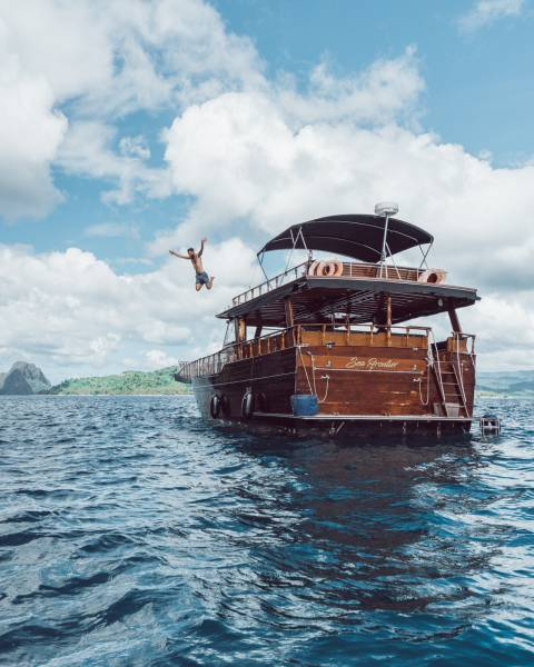 Philippine Island Cruise Corp SEA FRONTIER WOODEN YACHT