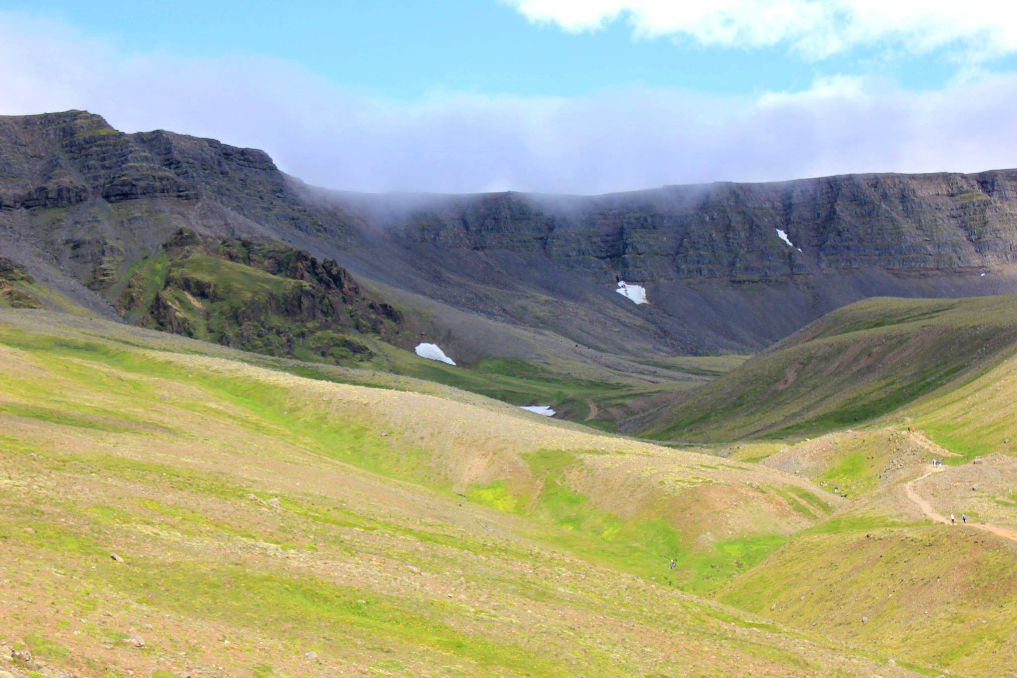 Hike on mount esja - iceland hiking