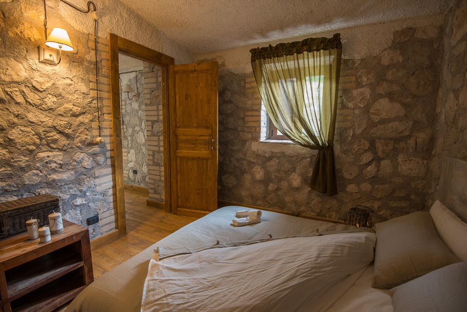 Il Rifugio di Terraegna di Bisegna nel Parco Nazionale d'Abruzzo Lazio e Molise. Prenota qui il tuo soggiorno!
