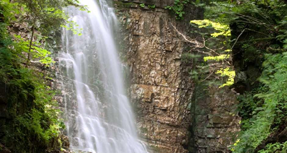 Maniava waterfall